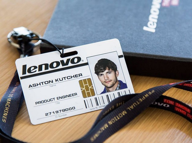 Ashton-Kutcher-kartvizit-webeyn