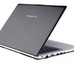 Gigabyte-P34G-Notebook-webeyn