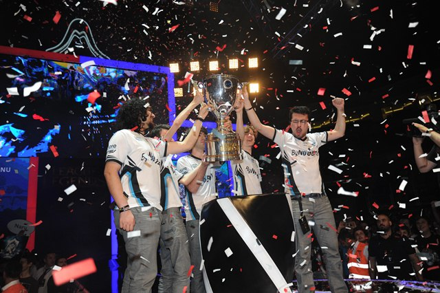 LoL-2014-final-webeyn-2