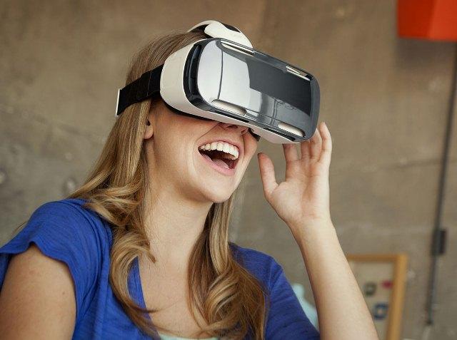 Samsung-Gear-VR-webeyn-2