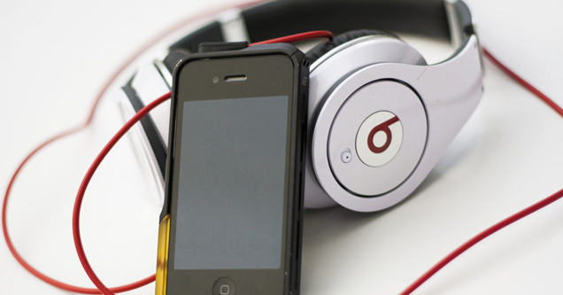 iPhone-Beats-webeyn